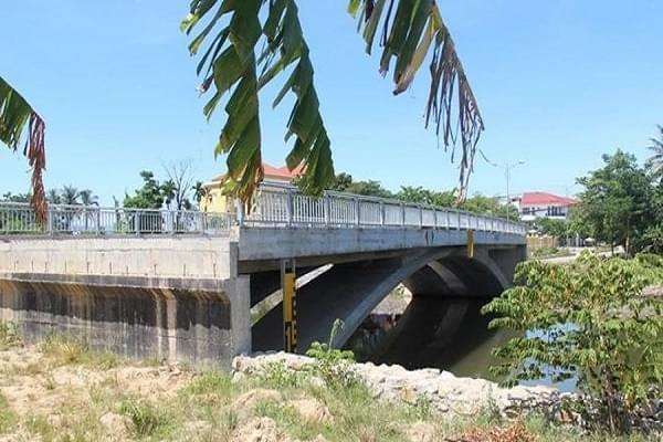 Nếu không có đường dẫn đầu cầu, cây cầu sẽ trông như thế này