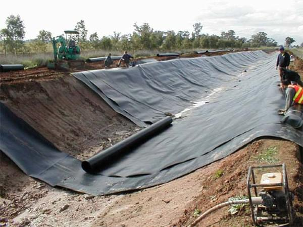 Màng chống thấm HDPE là gì? Khả năng chống thấm của bạt HDPE gần như tuyệt đối
