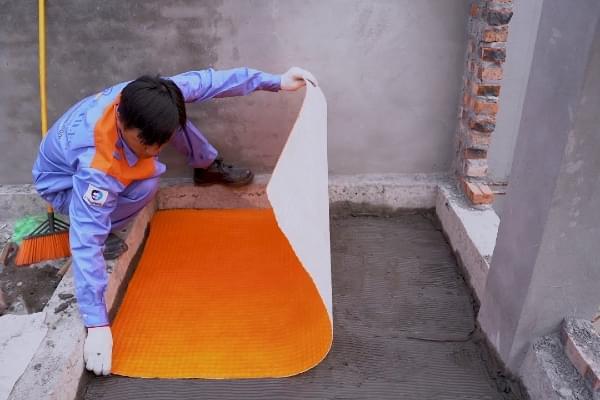 Xử lý chống thấm nhà vệ sinh bằng màng chống thấm Polytiles của INDECOM